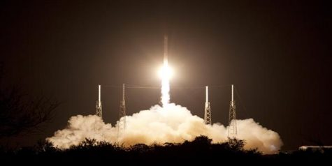 SpaceX launches moon travel program
