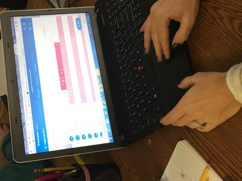 Teachers monitor students internet use with Go Guardian